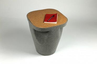 Tavolino in feltro e sughero