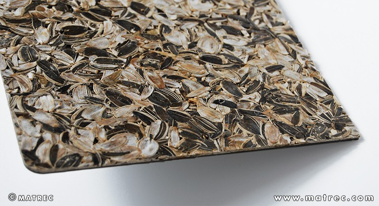 Material made of sunflower seed husks