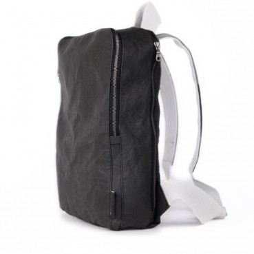 Water-repellent paper rucksacks