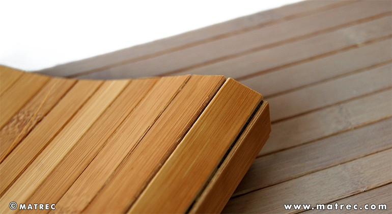 Material made of bamboo and latex
