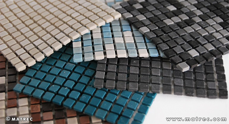 Material made of recycled glass powder