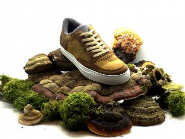Sneakers made of Mashroom leather