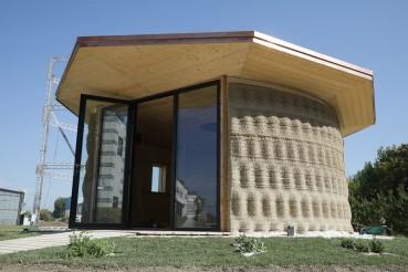 Casa stampata in 3D con materiali naturali