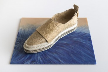 Organic circular materials: shoes made of bacterial cellulose