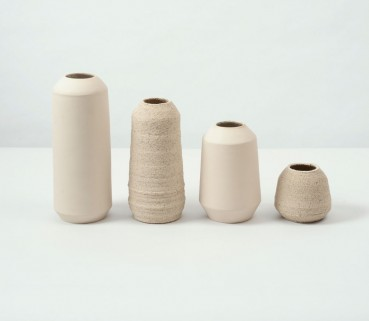 Vases with oyster shells and ceramic waste