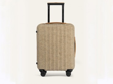 Suitcases made with flax and bio-plastic