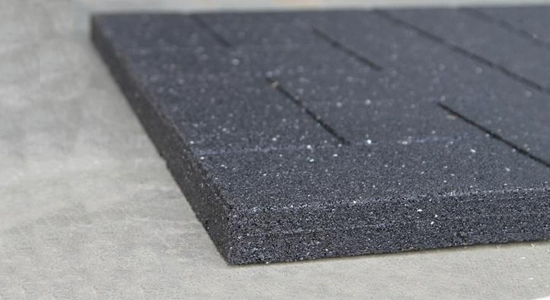 Recycled rubber material from ELTs