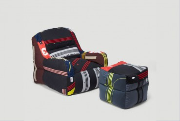 Upholstery beanbag chair with reuse of Adidas garments