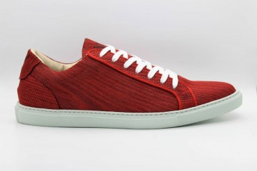 """Footwear made of certified wood """"leather"""""""