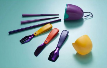 Recycled plastic cutlery kit from packaging and music CDs