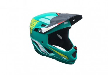 Full face helmet made with high content of recycled materials